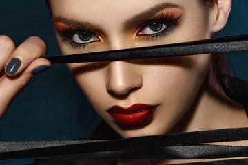 学化妆出来工资高吗?为什么现在化妆师的工资差距那么大?