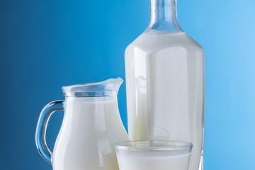 牛奶洗脸的功效怎样用牛奶洗脸